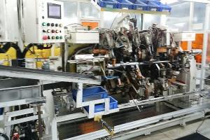 自動車部品生産用(自動溶接治具・装置)製作の例~2